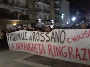 Striscione degli avvocati di Rossano